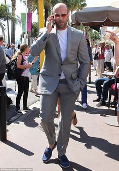 Jason Statham opted to party in a nightclub as he was spotted out in Cannes on Friday as he joined the bevvy of stars who are there for for the film festival. Jason Statham Rosie Huntington, Jason Statham And Rosie, Lorde, Jason Stratham, Bald Men Style, Tony Curtis, Martial Artist, Friend Outfits, Sport Casual