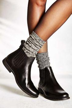Frye Phillip Ankle Boot + Socks #HUELovesShoes