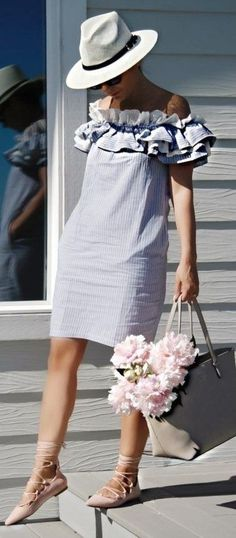 60 Trending And Lovely Outfits To Try This Summer Grey Off The Shoulder Ruffle Dress Casual Dresses, Short Dresses, Casual Outfits, Summer Dresses, Ladies Dresses, Fall Fashion Trends, Latest Fashion Trends, Autumn Fashion, Fashion Bloggers
