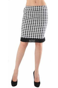 Jersey skirt with length to the knees. The skirt is with black and white checkers. The model finishes with black lace cant. The skirt is with classical cut and elastic waist.