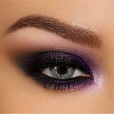 @vegas_nay: One of my favorite smoky eyes from the Too Faced Stardust by Vegas Nay Collection w/ a step by step pictorial and written instructions ...love the pop of purple..this color looks beautiful on all eye colors and skin tones #vegasnay4toofaced #toofaced #ultabeauty