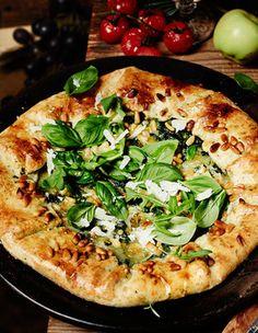 Mozzarella basil galette