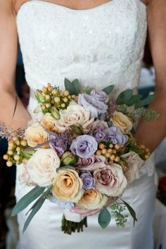 Why can't we walk around with bouquets every day, just for fun? peach + lavender + bits of sage coloured seeded eucalyptus = antique perfection * *