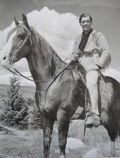 Clark Gable in Across the Wide Missouri, 1951 Popular People, Famous People, Horse Mane Braids, It Happened One Night, King Of My Heart, Hooray For Hollywood, Clark Gable, Gone With The Wind, Mountain Man