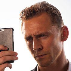 Tom Hiddleston as Jonanthan Pine in The Night Manager. Full size image: http://ww4.sinaimg.cn/large/6e14d388gw1f16gu29moqj20i60a8adf.jpg Source: Torrilla, Weibo