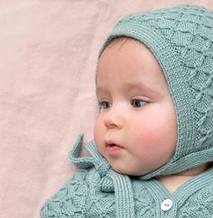 Voici un ravissant bonnet tricoté en PARTNER BABY, vos bébés vont l'adorer !Cette explication vous est offerte dans le cadre de l'opération caritative Restos bébés du coeur. Plus d'informations ici