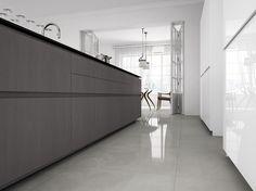 Nice floor. Gress light gray