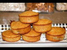 Briose rapide cu banane si gris - flaveur healthy desserts for kids, cake videos, Healthy Desserts For Kids, No Cook Desserts, Yummy Snacks, Healthy Crockpot Recipes, Baby Food Recipes, Vegan Ice Cream, Cake Videos, Shake Recipes, Toddler Meals