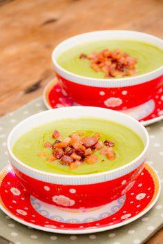 A imbatível sopa de ervilha com bacon! Soup Recipes, Cooking Recipes, Healthy Recipes, Brazillian Food, Heath Food, Sauces, Portuguese Recipes, I Love Food, My Favorite Food