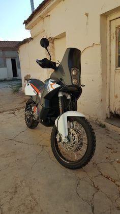 Ktm 950 Adventure, Adventure Treks, Adventure Gear, Moto Enduro, Enduro Motorcycle, Motorcycle Workshop, Ktm Motorcycles, Riding Gear, Dirt Bikes
