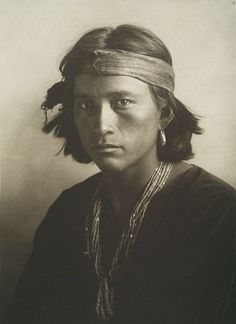 Curtis photo of very very handsome Navajo man.