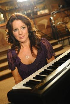 Sarah McLachlan & The instrument she is amazing at
