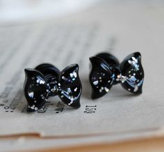 sparkle bow plugs, want!!