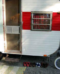 Vintage camper ... glamping.