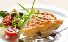 A quick and adaptable crustless quiche - make it with tinned asparagus, or add your own creative choice of fillings! Savory Snacks, Snack Recipes, Dinner Recipes, Cooking Recipes, Healthy Recipes, Asparagus Quiche, Kos, Quiche Recipes, Vegetable Recipes