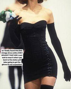 haute couture fashion Archives - Best Fashion Tips Couture Fashion, Runway Fashion, High Fashion, Fashion Fashion, Hollywood Fashion, Fashion 2020, Gloves Fashion, Hollywood Glamour Decor, Early 90s Fashion