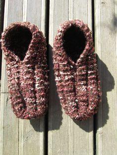 nouvelle paire de chaussons 3 fils dont 1 brin filé au rouet