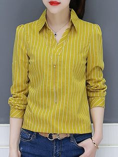V Neck Stripes Blouses 2019 V Neck Stripes Blouses berrylook clothing berrylook shoes The post V Neck Stripes Blouses 2019 appeared first on Cotton Diy. Kurta Designs, Blouse Designs, Fashion Pants, Fashion Outfits, African Blouses, Cool Outfits, Casual Outfits, Long Blouse, Blouse Styles