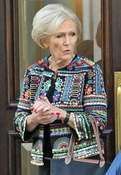 Is multi-coloured Mary Berry lining up new US show? Dressed to impress: Mary Berry dons a multi-coloured jacket outside the offices of a TV fi… Mary Berry, Daily Dress Me, Moda Casual, Crochet Jacket, Advanced Style, Dressed To The Nines, Boho Fashion, Womens Fashion, Jackett