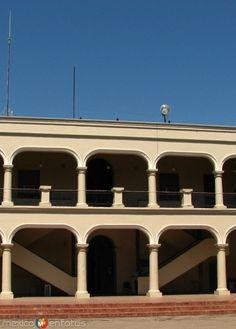 PALACIO MUNICIPAL. Linares