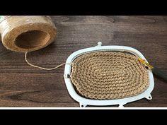 Handmade Bags, Handmade Crafts, Diy And Crafts, Crochet Coin Purse, Frame Purse, Beaded Clutch, Clutch Bag, Lana, Crochet Projects