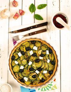 Tarta z cukinią, oliwkami i fetą
