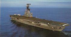 El 25 de mayo portaaviones de la Marina Argentina.jpg