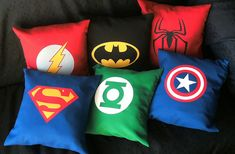 Almohadones superheroes by Lady Krizia, via Flickr