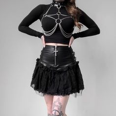 Material: Faux Leather With O-ring connected, buckle closure for size adjustment. Edgy Outfits, Korean Outfits, Cute Outfits, Fashion Outfits, Womens Fashion, Female Outfits, Grunge Outfits, Dark Fashion, Modern Fashion