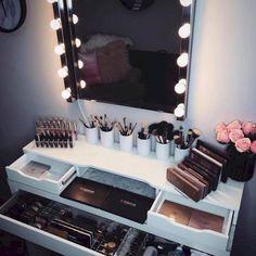 Awesome 25+ Best Makeup Closet Room Design For Your Home https://freshouz.com/25-best-makeup-closet-room-design-home/ #hangingmakeuporganizerstyle #NaturalMakeupTips