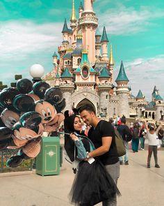 Couple, disney, and disneyland image Disneyland Proposal, Disneyland Images, Disneyland Outfits, Funny Save The Dates, Las Vegas, South Korea Travel, Diabetic Dog, Couple Outfits, Beautiful Hijab