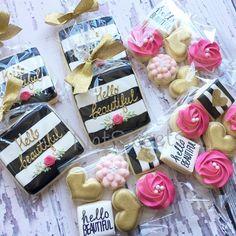 Black & white striped bridal shower minis and favors Mini Cookies, Iced Cookies, Cute Cookies, Royal Icing Cookies, Sugar Cookies, Cookies Et Biscuits, Kate Spade Party, Kate Spade Bridal, Valentines Day Food