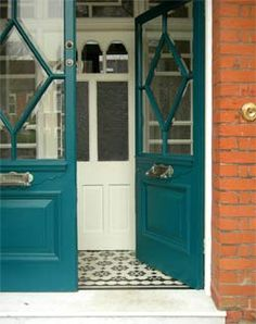 This is the front door style and paint color I dream of changing our front door to. Teal Front Doors, Teal Door, Front Door Entryway, Front Doors With Windows, Painted Front Doors, Front Door Colors, Best Exterior Paint, Exterior Paint Colors For House, Paint Colors For Home