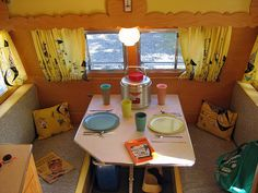 Classic Interior Ideas for Canned Ham Camper - Go Travels Plan Vintage Campers Trailers, Retro Campers, Vintage Caravans, Happy Campers, Retro Rv, Retro Caravan, Caravan Ideas, Camper Ideas, Classic Interior