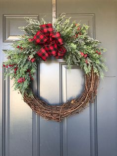 Christmas wreath for front door, christmas wreath, christmas door wreath, christmas wreaths, holiday wreath - Covid Logisn Large Christmas Wreath, Diy Christmas Decorations For Home, Christmas Wreaths For Front Door, Christmas Ornament Wreath, Burlap Christmas, Holiday Wreaths, Winter Wreaths, Christmas Swags, Spring Wreaths