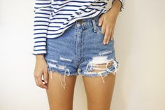 DIY DISTRESSED DENIM CUT OFF SHORTS