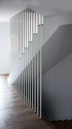 Con orden y concierto Basement Stairs, House Stairs, Open Basement, Basement Ideas, Interior Stairs, Interior Design Living Room, Stairway Lighting, Stairway Art, Open Staircase