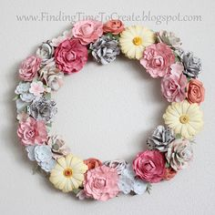Floral wreath cut with the Silhouette CAMEO - lots of info and tips for making paper flowers Handmade Flowers, Diy Flowers, Fabric Flowers, Paper Flower Wreaths, Flower Crafts, Floral Wreaths, Paper Flower Tutorial, Wreath Tutorial, Diy Tutorial