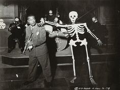 """Louis Armstrong """"Skeleton in the Closet"""" from """"Pennies from Heaven"""". Photos D'halloween Vintage, Vintage Halloween Photos, Vintage Photographs, Holidays Halloween, Happy Halloween, Halloween Party, Halloween Costumes, Halloween Dance, Retro Halloween"""