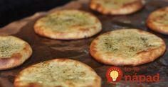 Zkuste tyto bramborové placky, jsou neodolatelné - Strana 2 z 2 - Receptty. Meat Recipes, Cooking Recipes, Dinner Rolls Recipe, Good Food, Yummy Food, Bulgarian Recipes, Czech Recipes, Albondigas, Easy Snacks