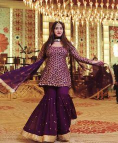 Best 12 Adibaumair❤️sheikh – Page 347269821267524596 Party Wear Indian Dresses, Designer Party Wear Dresses, Pakistani Dresses Casual, Indian Gowns Dresses, Indian Fashion Dresses, Dress Indian Style, Pakistani Dress Design, Pakistani Fashion Party Wear, Indian Outfits