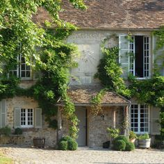 Book your stay at Le Moulin de la Tuilerie - formerly an mill, and more recently, the weekend residence of the Duke & Duchess of Windsor. Provence, English House, English Cottages, European House, Stone Houses, French Farmhouse, Le Moulin, Architecture Details, Ancient Architecture
