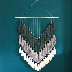 #macrame#triangle#vert#gris#blanc#grande#taille#laine#pompon