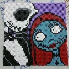 Jack and Sally hama beads by loreemercury - Pattern: https://www.pinterest.com/pin/374291419009946769/