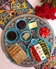 Planning A Perfect Breakfast Breakfast Platter, Breakfast Menu, Perfect Breakfast, Breakfast Ideas, Breakfast Around The World, Desserts Around The World, Interior Simple, Iranian Cuisine, Turkish Breakfast