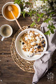 Homemade coconut & blueberry granola