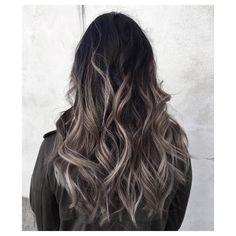Un smoky sur cheveux bruns