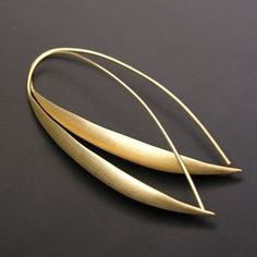 Earrings | Matin Designs. Écu gold