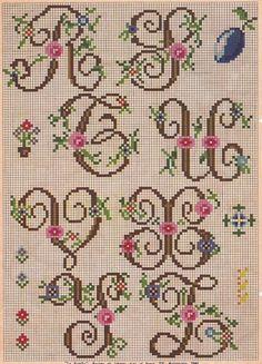 Cursive Needlepoint Alphabet... http://2.fimagenes.com/i/3/4/36/am_152093_2029819_107424.jpg