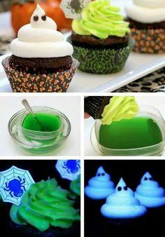 Agua tonica + gelatina de limao = Cupcakes q brilham no escuro